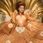 Julia-Robers-queen